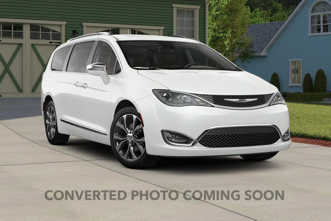 2018 Chrysler Pacifica Touring LS Plus